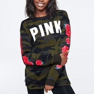 NEW VS PINK Camo rose Campus tee